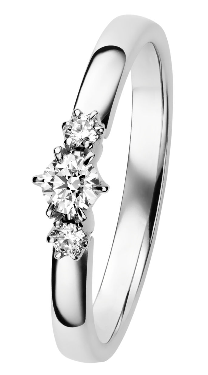 Leonora timanttisormus valkokulta on kaunis kolmen kiven timanttisormus.